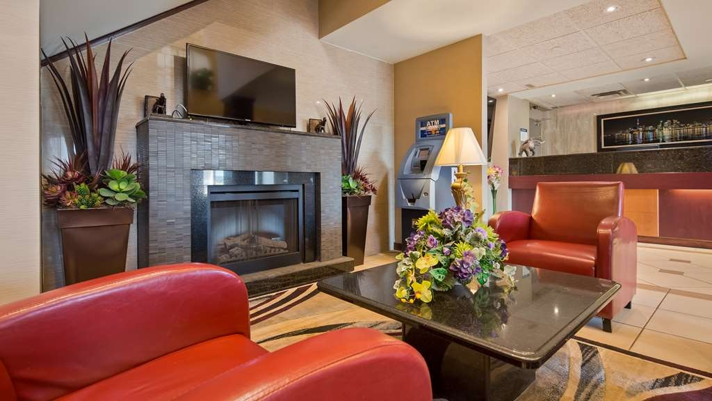 Best Western Plus Burlington Inn & Suites - Hall
