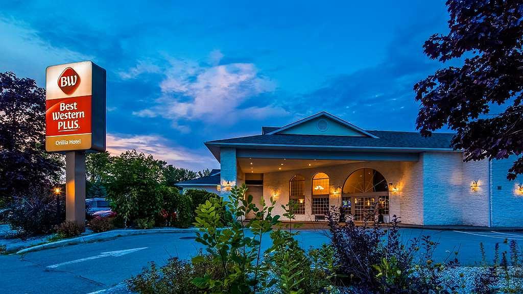 Best Western Plus Orillia Hotel - Vista exterior