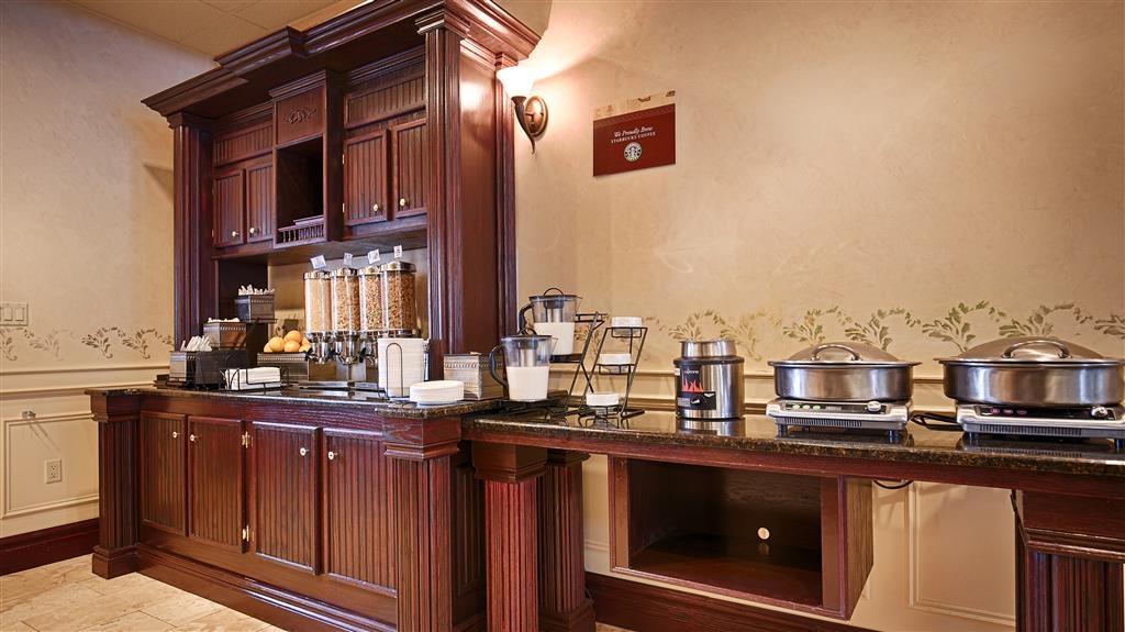 Best Western Plus Orillia Hotel - Frühstücksbuffet