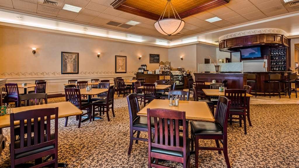 Best Western Plus Orillia Hotel - Restaurant / Gastronomie