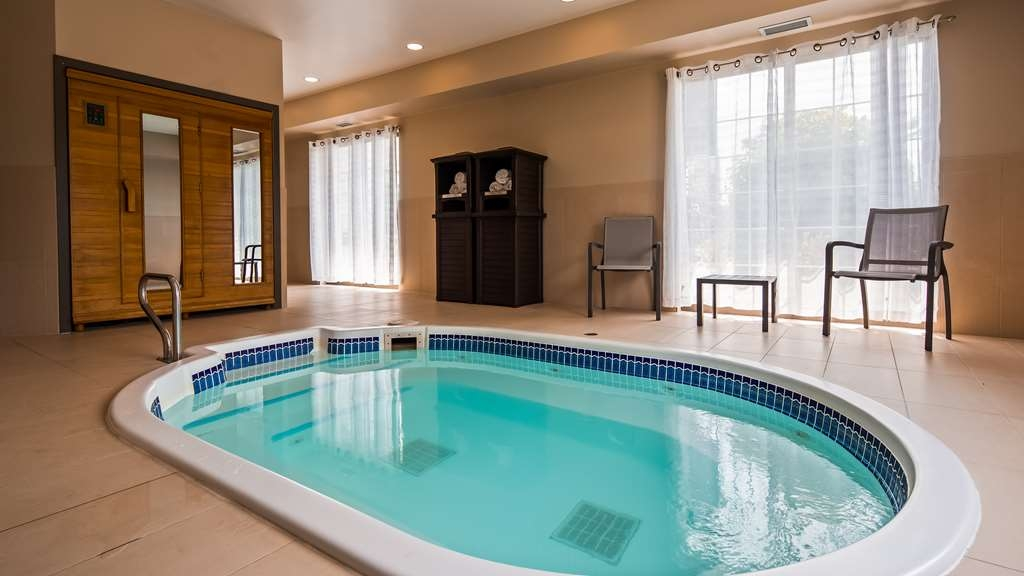 Best Western Plus Orillia Hotel - Spa