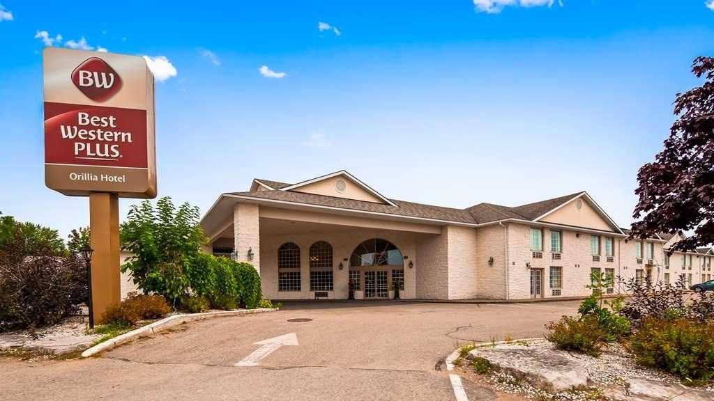 Best Western Plus Orillia Hotel - Facciata dell'albergo