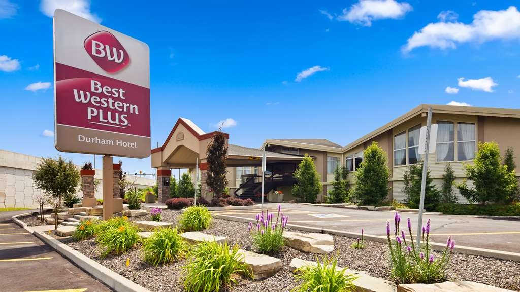 Best Western Plus Durham Hotel & Conference Centre - Main Entrance