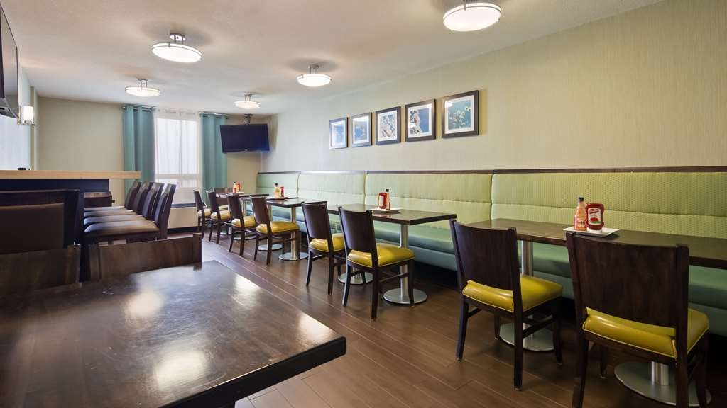 Best Western Plus Durham Hotel & Conference Centre - Breakfast Area
