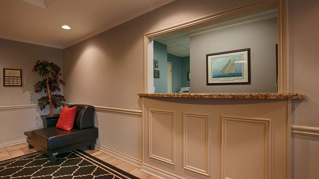 Best Western Colonel Butler Inn - Reception Desk