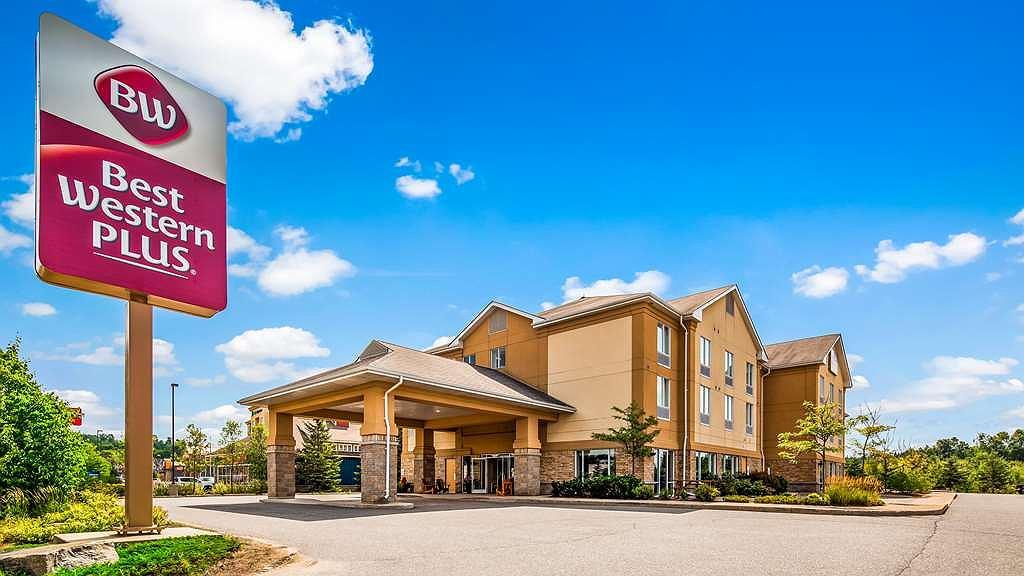 Best Western Plus Muskoka Inn - Aussenansicht