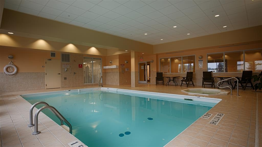 Best Western Plus Muskoka Inn - Piscina