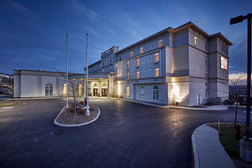 Best Western Plus Orangeville Inn & Suites - Aussenansicht