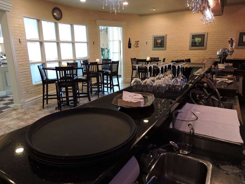Best Western Plus Mariposa Inn & Conference Centre - Restaurants