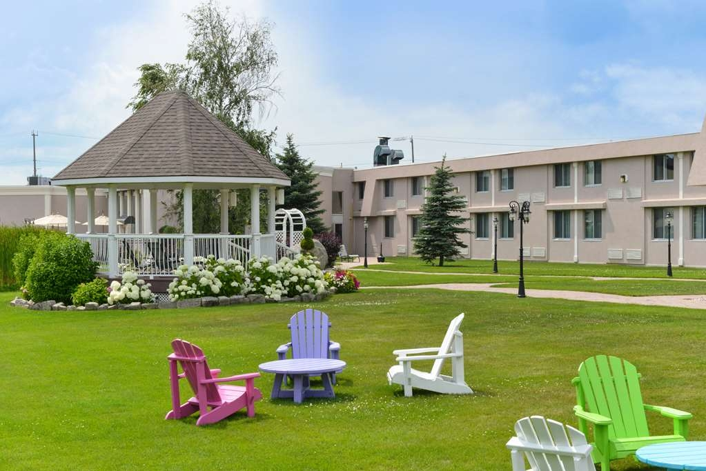 Best Western Plus Mariposa Inn & Conference Centre - Außenansicht