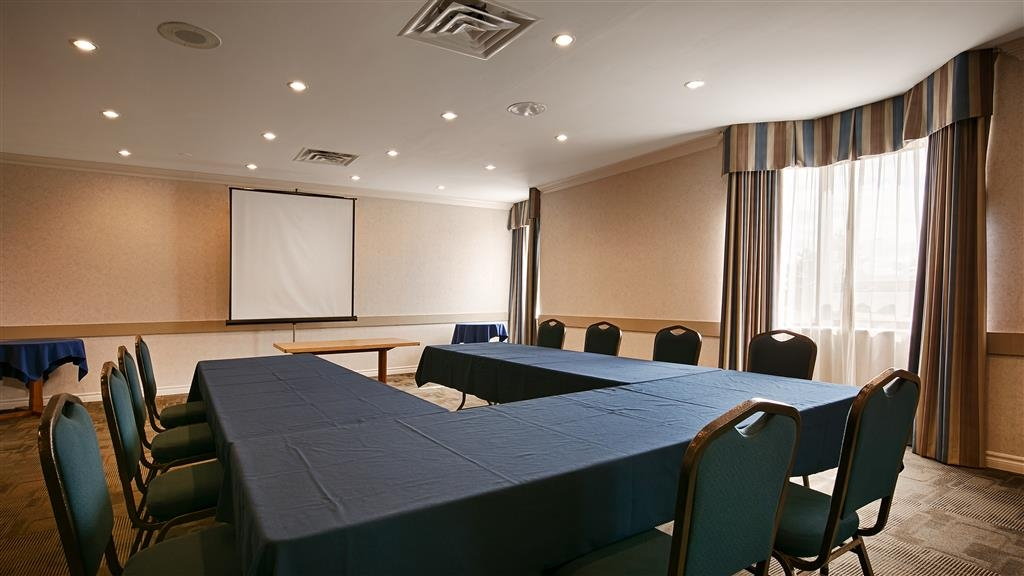 Best Western Milton - Multi-functional meeting room offers free high-speed internet.