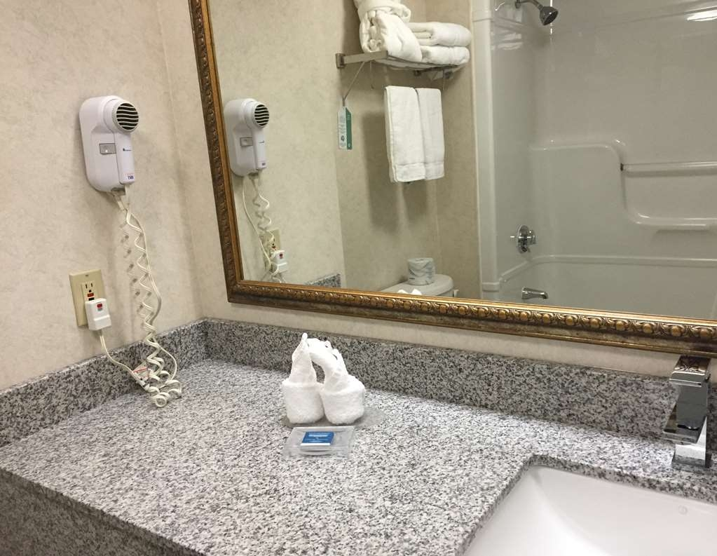 Best Western Milton - Our bathrooms are newly renovated with beautiful granite counters and are well stocked with shampoo, conditioner, soap and towels.