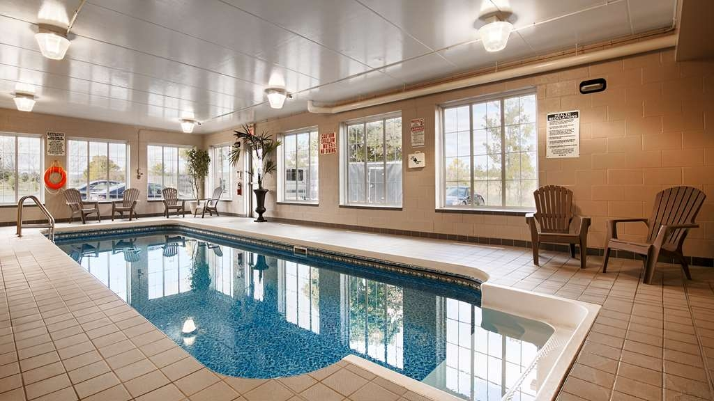 Best Western Milton - Open 365 days a year, our heated saltwater pool is a refreshing way to do some laps, relax or have fun.