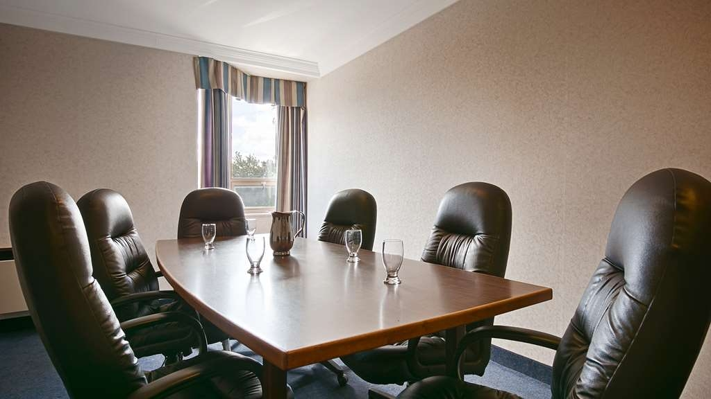 Best Western Milton - The Boardroom can accommodate up to 8 people.