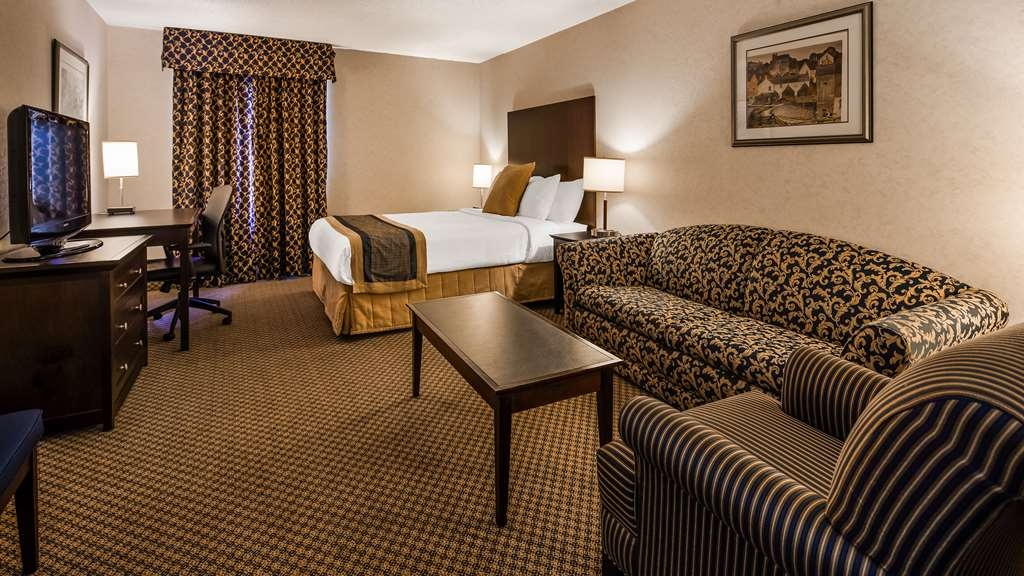 Best Western Milton - Located in the Executive Tower, we offer Queen and King rooms with a double sofa pullout.