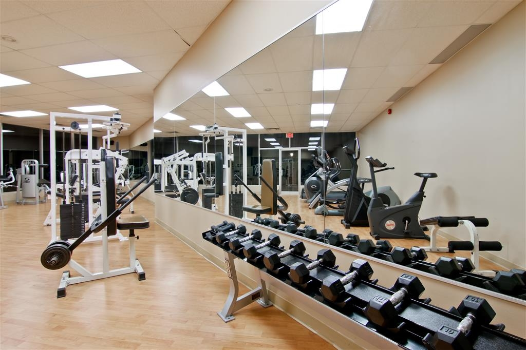 Best Western St Catharines Hotel & Conference Centre - Free weights are also available.