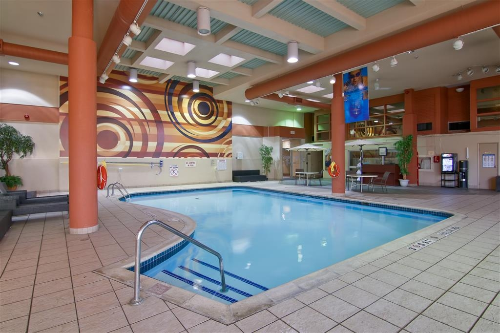 Best Western St Catharines Hotel & Conference Centre - Relax and unwind in our heated indoor pool