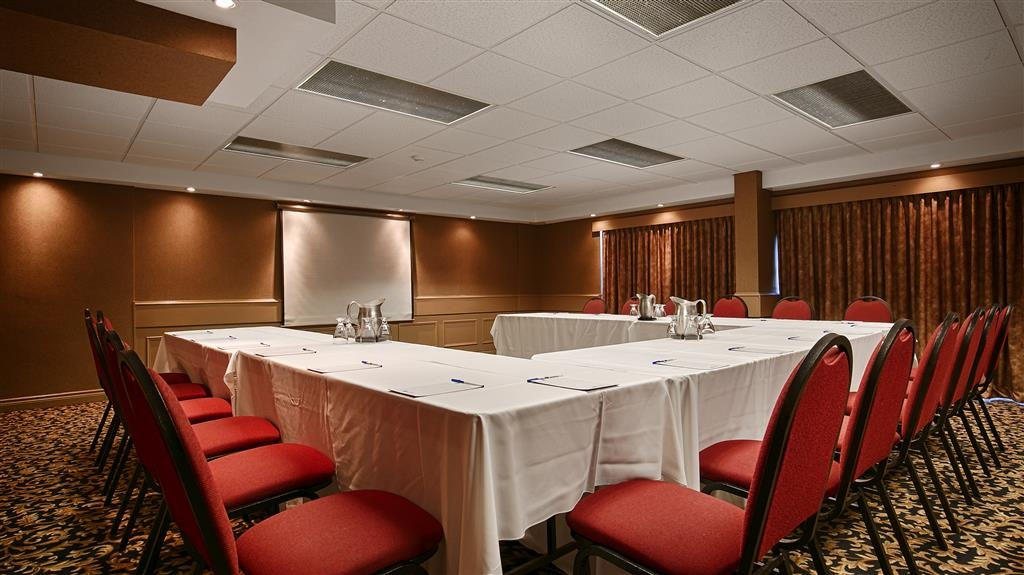 Best Western St Catharines Hotel & Conference Centre - Our 740 square foot meeting rooms offer flexibility to your group.