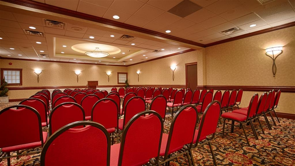 Best Western St Catharines Hotel & Conference Centre - Dalhousie Ballroom can accommodate approximately 180 people theatre style