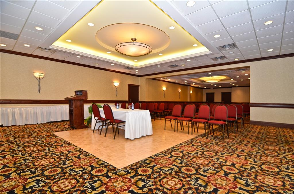 Best Western St Catharines Hotel & Conference Centre - Audio/visual capabilities and catering are available to make your meeting successful.