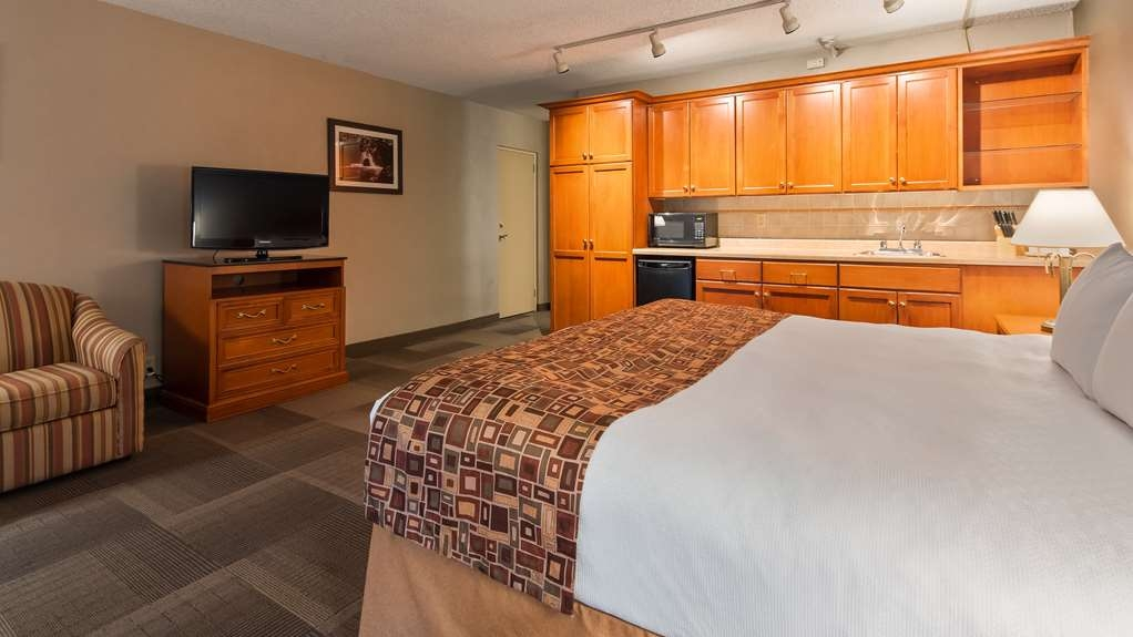 Best Western St Catharines Hotel & Conference Centre - Guest Room