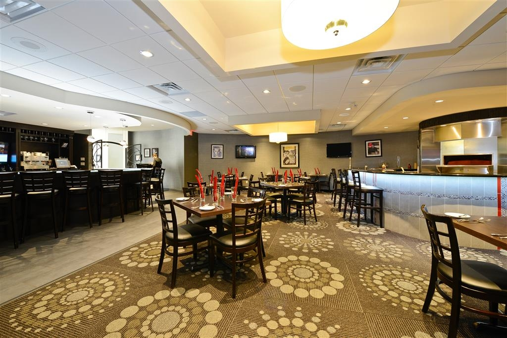 Best Western Premier C Hotel by Carmen's - Bar/Lounge