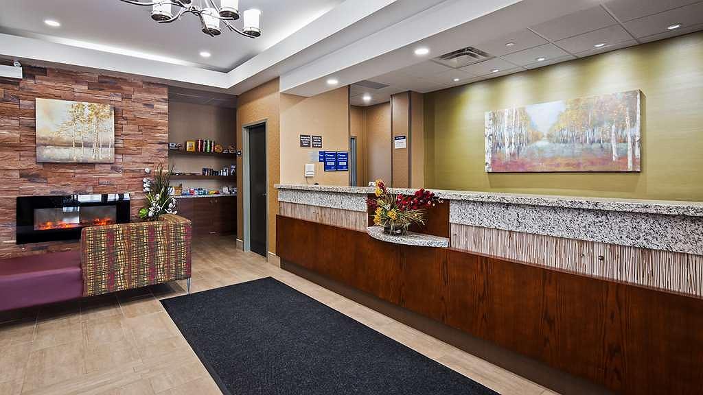 Best Western Plus Fergus Hotel - Front Desk