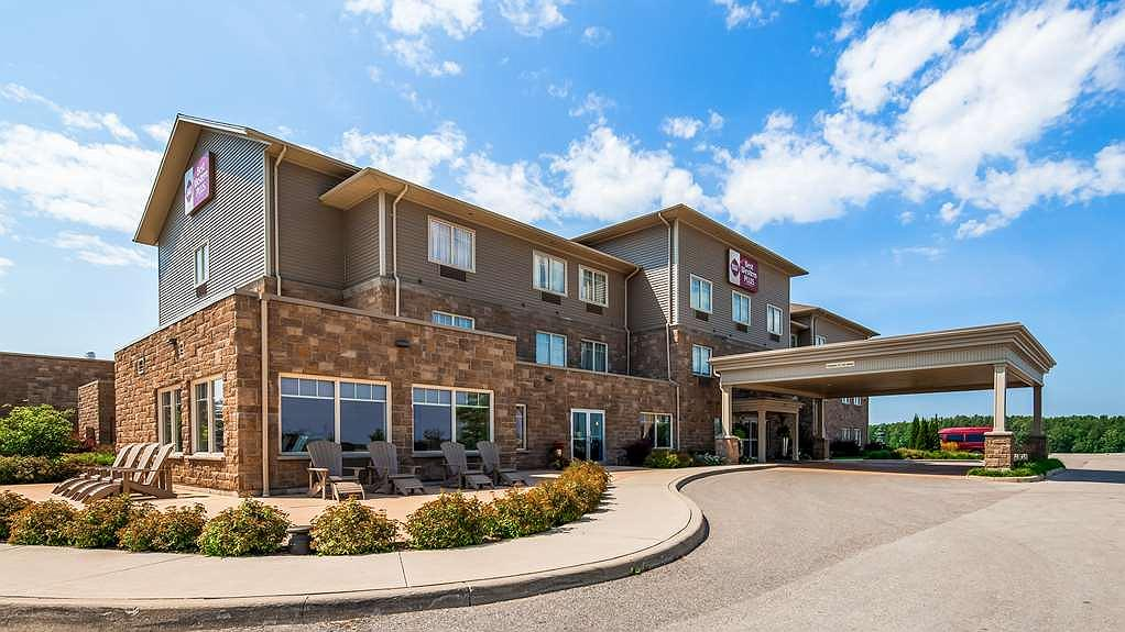 Best Western Plus Walkerton Hotel & Conference Centre - Aussenansicht