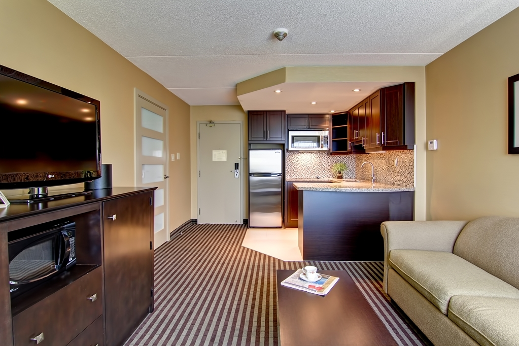 Best Western Plus Toronto North York Hotel & Suites - We want you to feel at home as much as possible