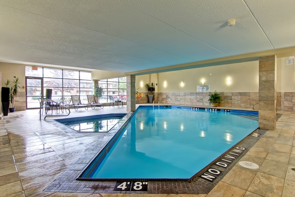 Best Western Plus Toronto North York Hotel & Suites - Relax in our heated indoor Swimming Pool and Hot Tub