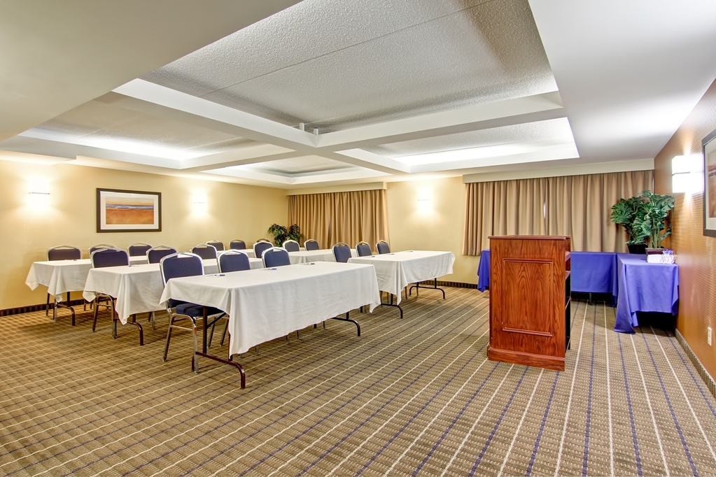 Best Western Plus Toronto North York Hotel & Suites - Onsite Catering and Audio Visual. Our professional staff is here to assist you on your next meeting