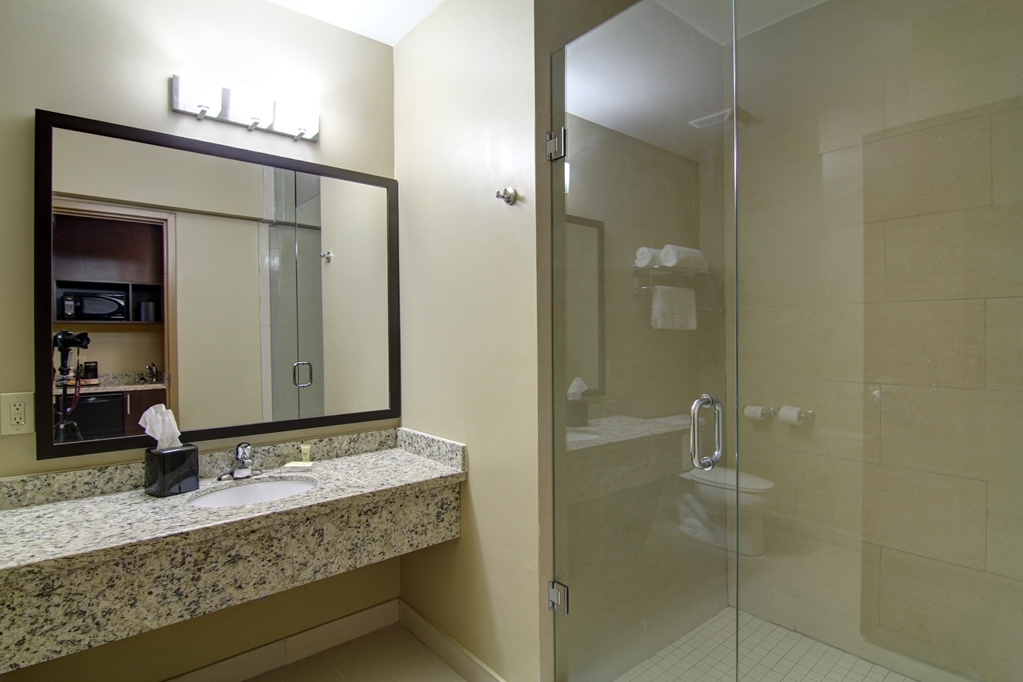 Best Western Plus Bowmanville - Bagno