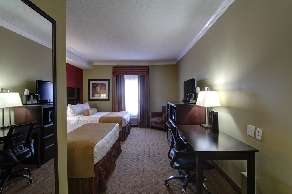 Best Western Plus Bowmanville - Have a wonderful family trip in Bowmanville, and stay in our two queen bed guest room