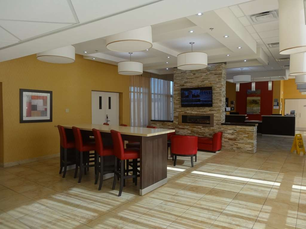 Best Western Plus Bowmanville - Hall