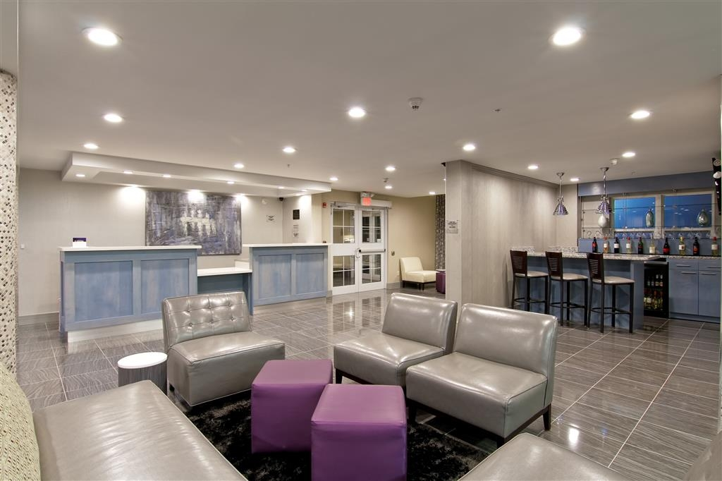 Best Western Plus Woodstock Inn & Suites - Sitzbereich im Foyer