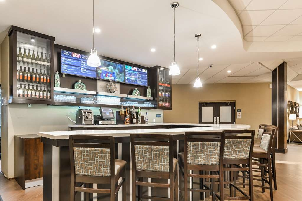 Best Western Plus Leamington Hotel & Conference Centre - Bar/Lounge