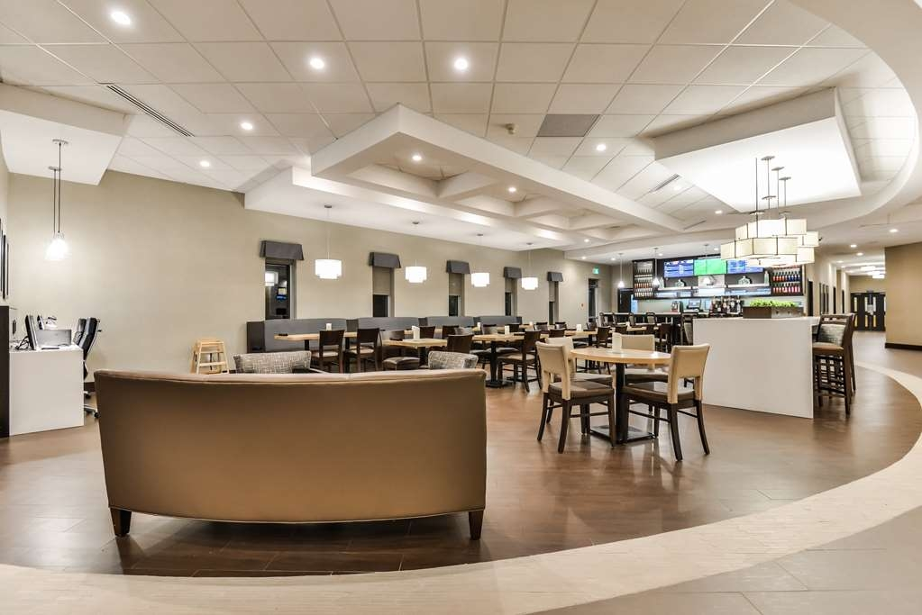 Best Western Plus Leamington Hotel & Conference Centre - Bistro Seating Area