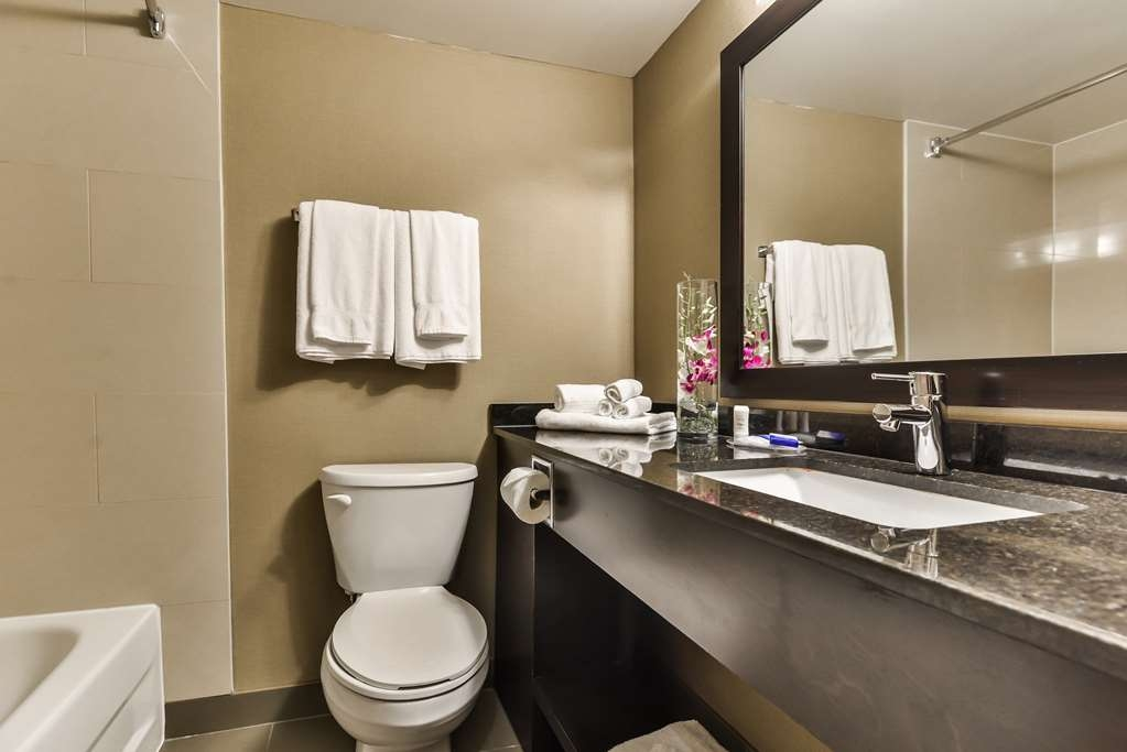 Best Western Plus Leamington Hotel & Conference Centre - Bagno in camera