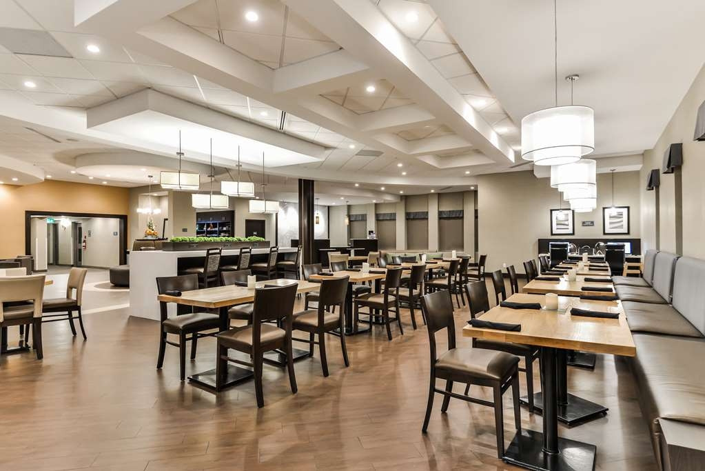 Best Western Plus Leamington Hotel & Conference Centre - Bistro Bar and Grill Restaurant offering a la carte menus for Breakfast and Dinner
