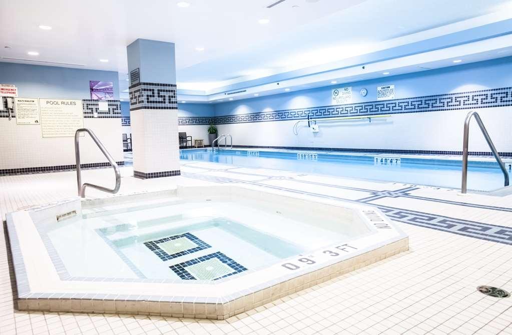 Best Western Premier Toronto Airport Carlingview Hotel - bañera de hidromasaje