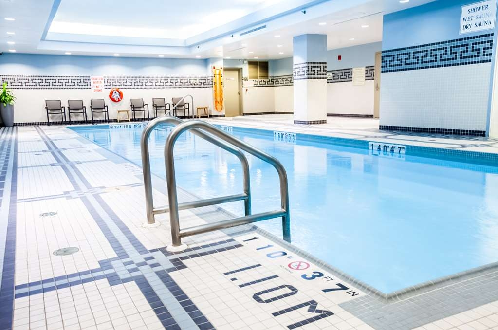 Best Western Premier Toronto Airport Carlingview Hotel - Test your limits or relax in our heated indoor lap swimming pool.