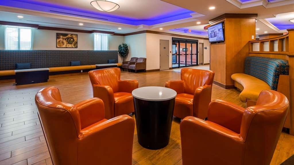 Best Western Premier Toronto Airport Carlingview Hotel - Vista del vestíbulo