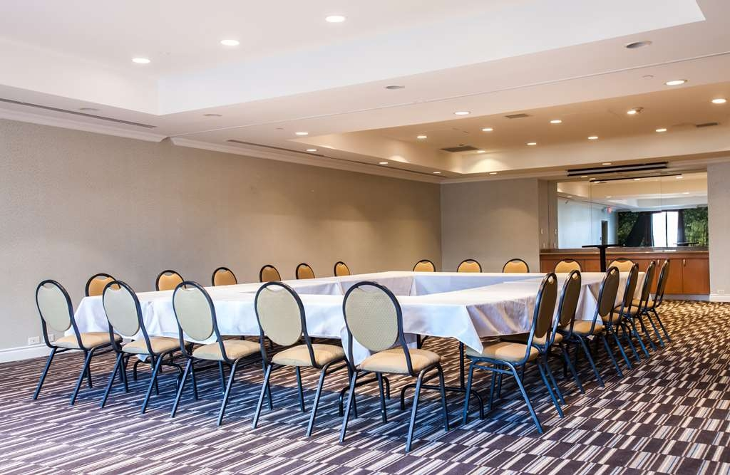 Best Western Premier Toronto Airport Carlingview Hotel - Windsor Meeting Room