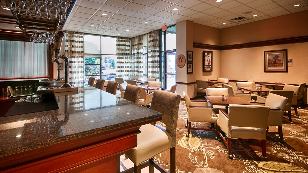 Best Western Plus The Arden Park Hotel - Bar / Lounge