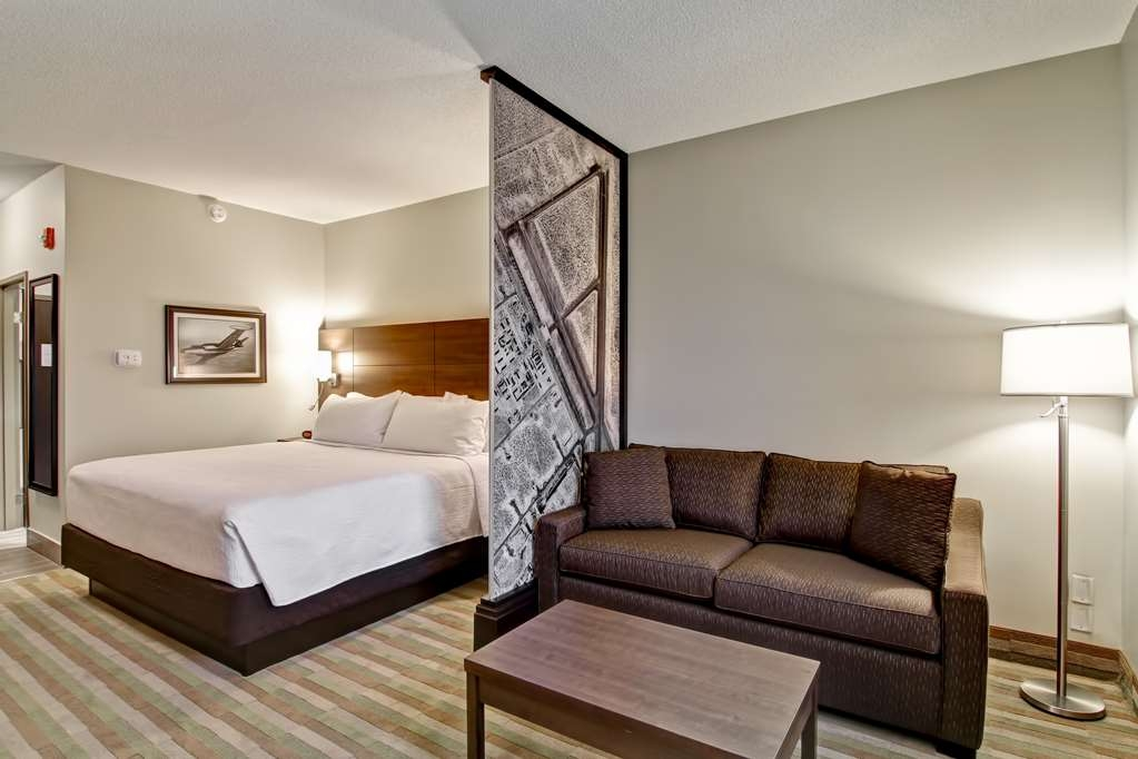 Best Western London Airport Inn & Suites - Suite