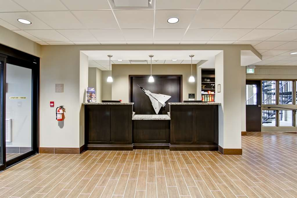 Best Western London Airport Inn & Suites - Vue du lobby