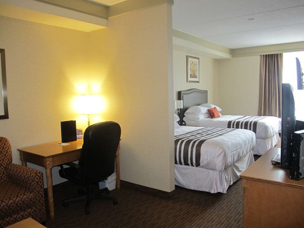 Best Western Plus Waterloo - Suite with Two Queen Size Beds