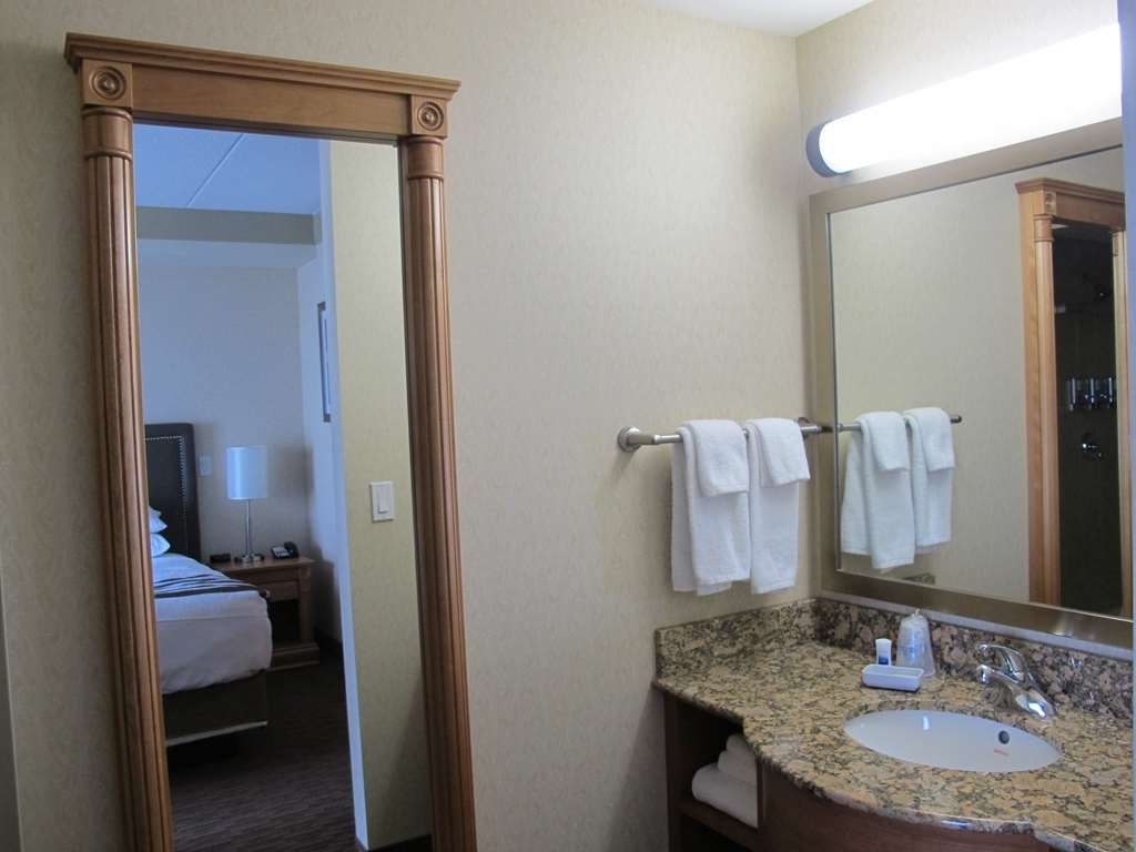 Best Western Plus Waterloo - Guest Bathroom Vanity