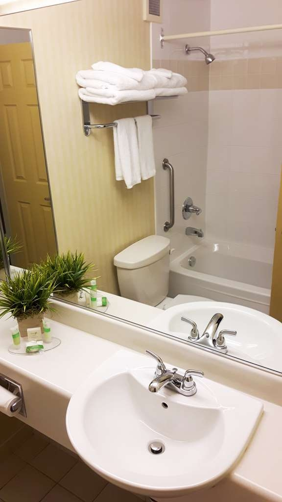 The Water Tower Inn, BW Premier Collection - Bathroom with soaker tub.