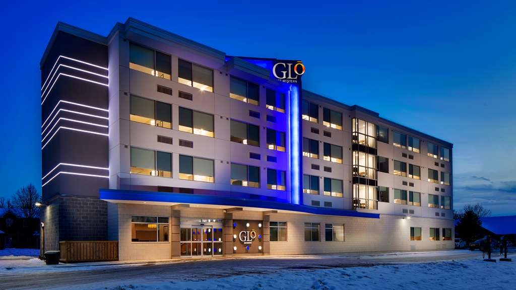 GLo Best Western Kanata Ottawa West - We are waiting your arrival at the GLō where travel wellness is delivered through consistent service and quality amenities.